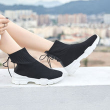 Prettymia Plain Round Toe Lace Up Flat Sneakers