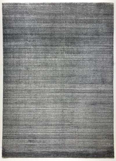 Akita Dark grey rug over all view horizontal texture