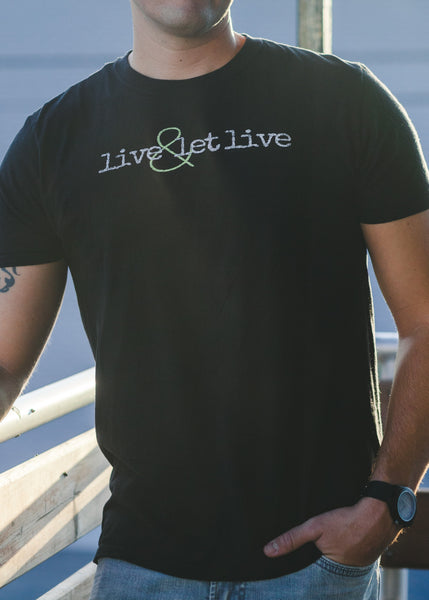 Vegan Outfitters Men's T-Shirt - live & let live
