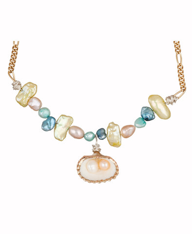Lady Marmelade Pearl / Shell Necklace