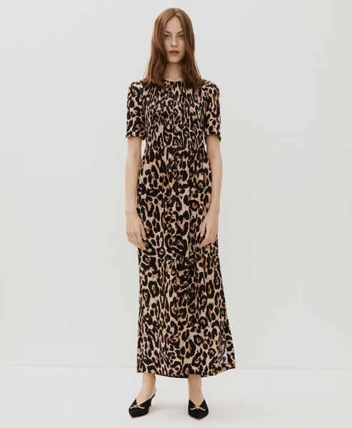 Baum und Pferdgarten. Adamaris Wild Leopard Dress. Studio B Fashion