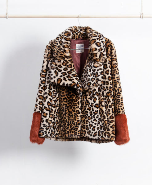 Baum und Pferdgarten - Faux Fur Leopard Jacket Red Orange Contrast Cuffs - Studio B Fashion