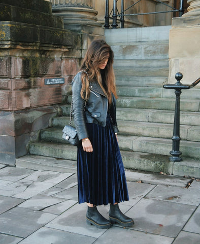 Lula Pleated Midi Skirt Navy