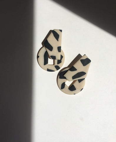 The Elva Earrings Leo