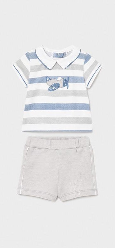 Striped Airplane Shirt w/Beige Shorts