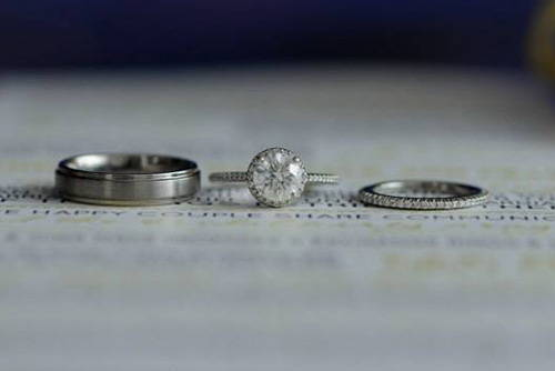 White Gold vs Platinum for Engagement & Wedding Rings