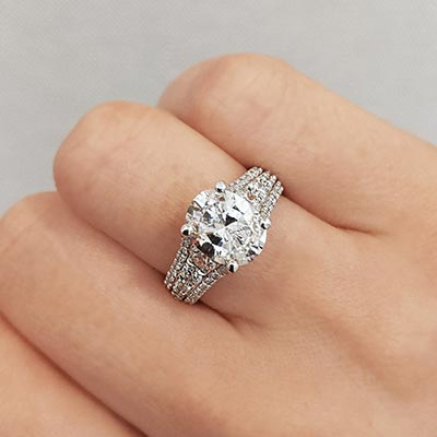 Henne Engagement Diamond Intensive Link