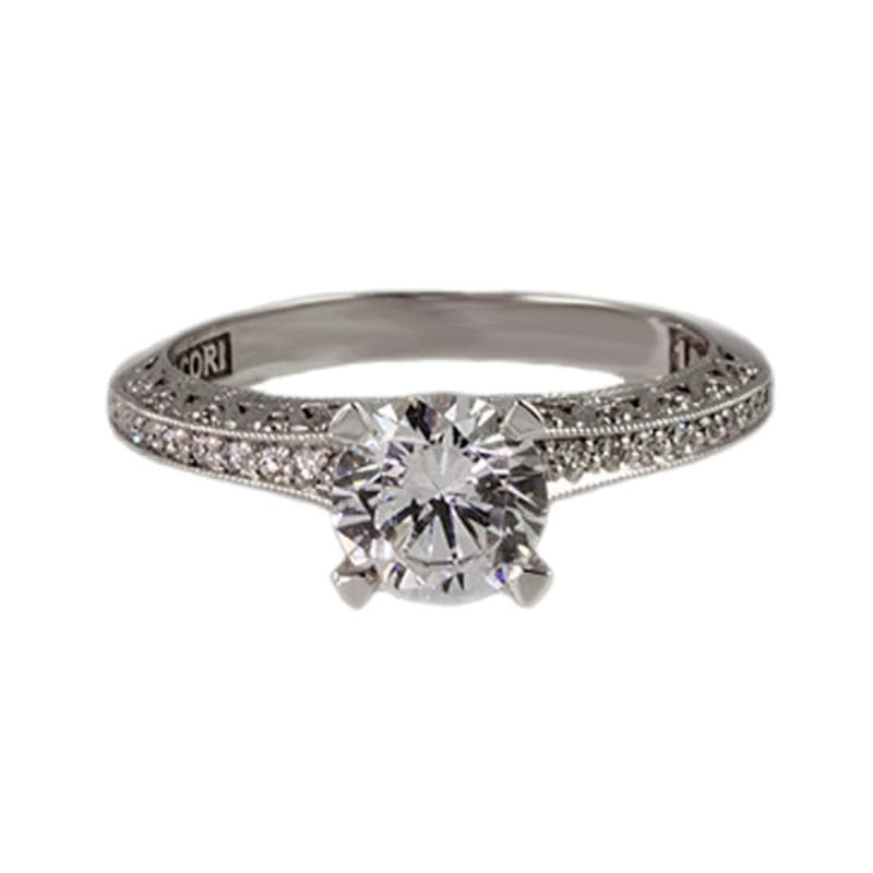 18K White Gold 4-Prong Tapered Shoulder 0.22ct Diamond Ring