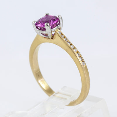 18K Yellow Gold Precision Set Diamond and Sapphire Ring