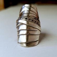 Mummy ring - black diamond