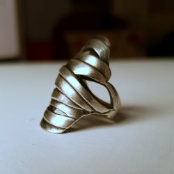 Mummy ring - slashed