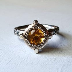 Victoria's solitaire - citrine and swiss blue topaz
