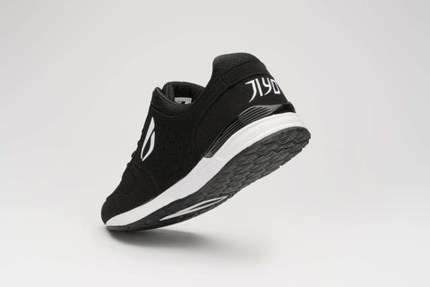 FLOW 2.0 PARKOUR SHOE - BLACK / WHITE - JIYO WEAR