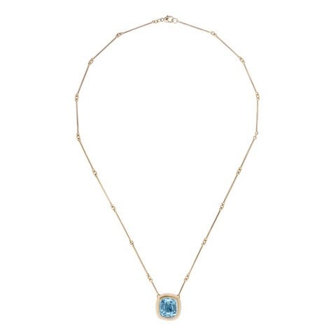 Aquamarine set in 18kt yellow gold necklace