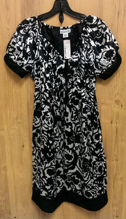 Motherhood black & white maternity dress Medium