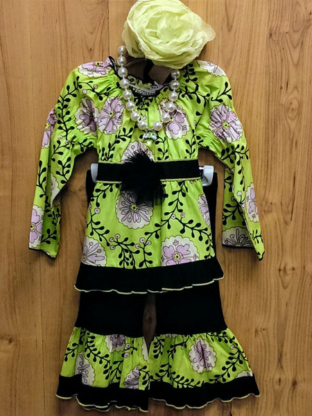 Ann Loren NWT 4pc lime/black outfit - 24mos