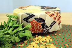 Cling Film Alternatives - Beeswax Wrap