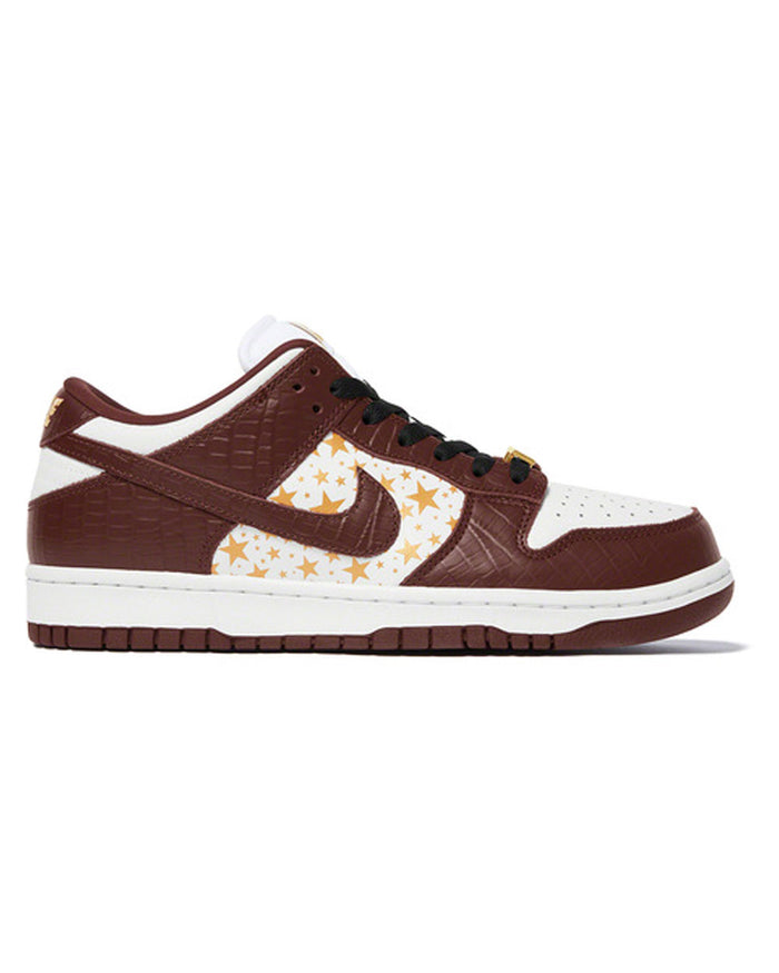 Supreme x Nike SB Dunk Low Brown