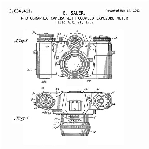 PHOTOGRAPHIC CAMERA WITH COUPLED EXPLOSURE METER (1962, E. SAUER) Patent Print
