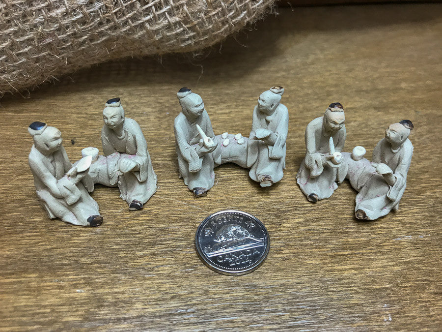 Mystery Box – Tiny Mud Men Figurines