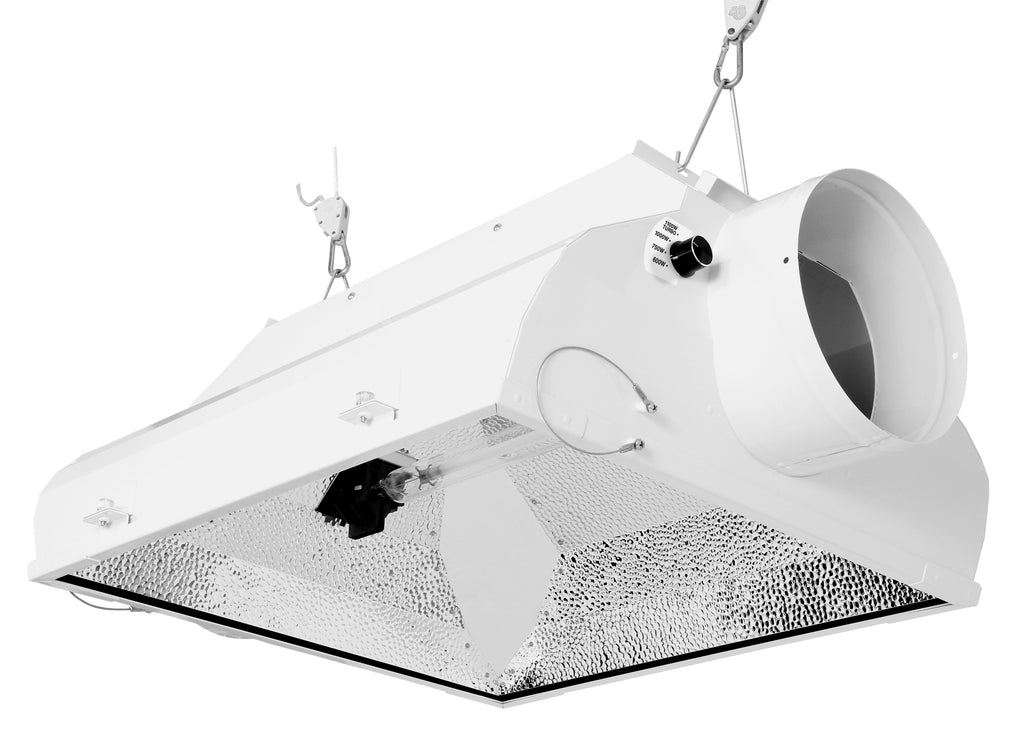 Sun System® AC/DE Fusion® 8 in Air-Cooled Fixture 120-240 V (12/Plt)