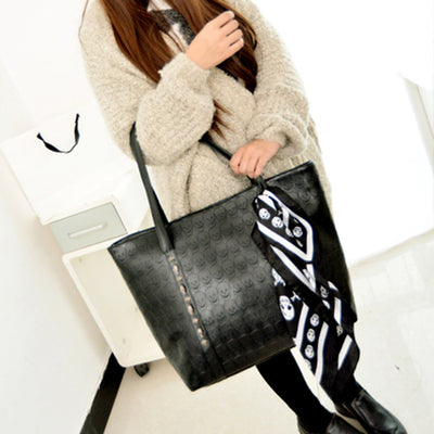 Black Skull Causal Bag