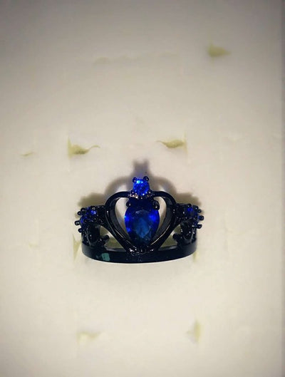 Exquisite Queen Black Ring November