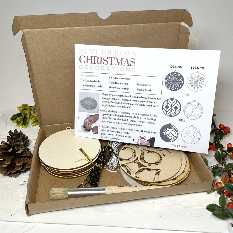 Art Deco Christmas Decoration kit - stencilup.co.uk