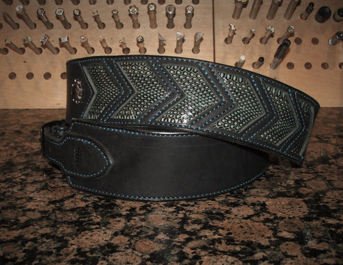 Arrow Point Inlay Guitar Strap