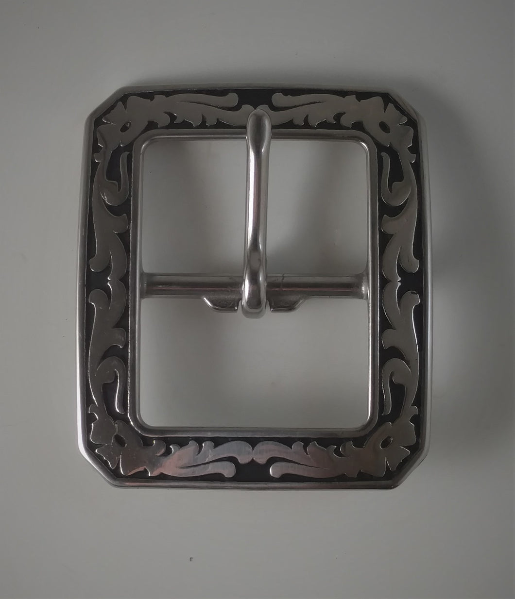 Black and Silver Center Bar Buckle