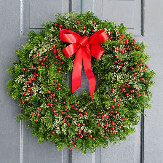 Classic Christmas Wreath for How to Create a Gorgeous Christmas Setting this Holiday Season with Montana Gift Corral