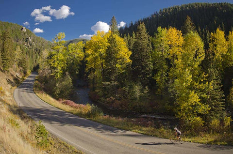 Hyalite Canyon Road in Bozeman Southwest Montana. Best Southwest Montana Fall Foliage Destinations.