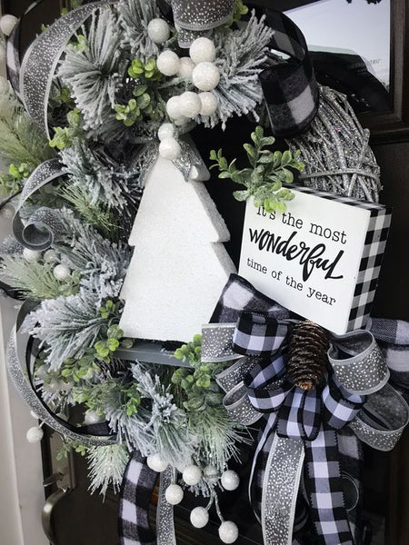 Silver and Golf Christmas theme for How to Create a Gorgeous Christmas Setting this Holiday Season  with the Montana Gift Corral