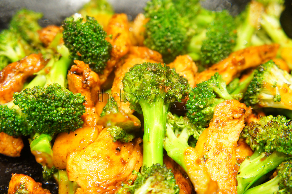 Sesame Chicken and Broccoli Stir Fry with White Rice