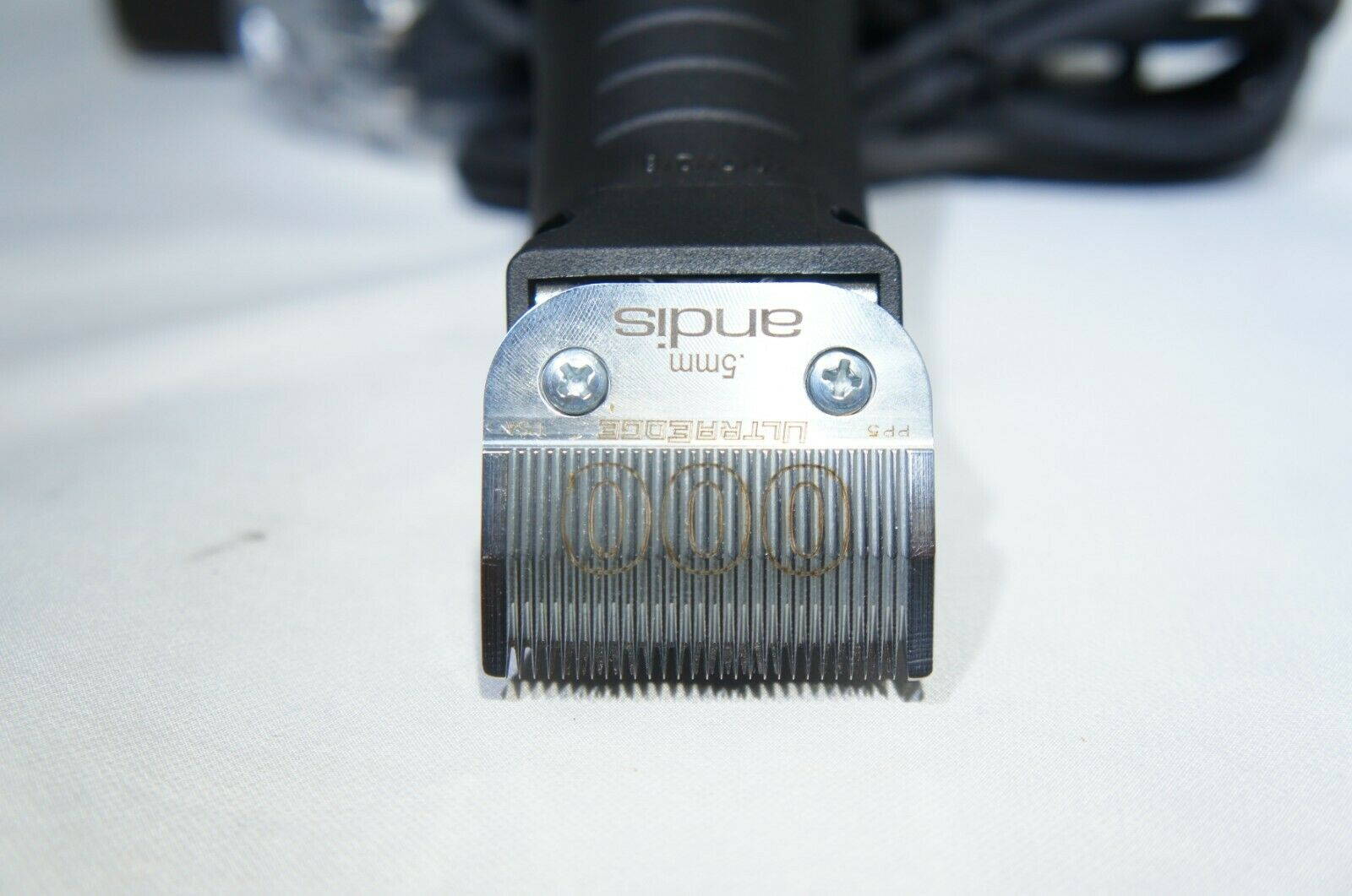 Andis A63700 Ultra Edge BGRC Detachable Blade Clipper (Like New)
