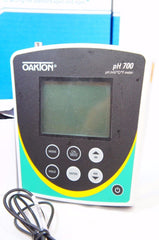 Oakton WD-35419-10 pH 700 pH/ORP/Temp. Meter w/DJ pH electrode Stand (Like New)