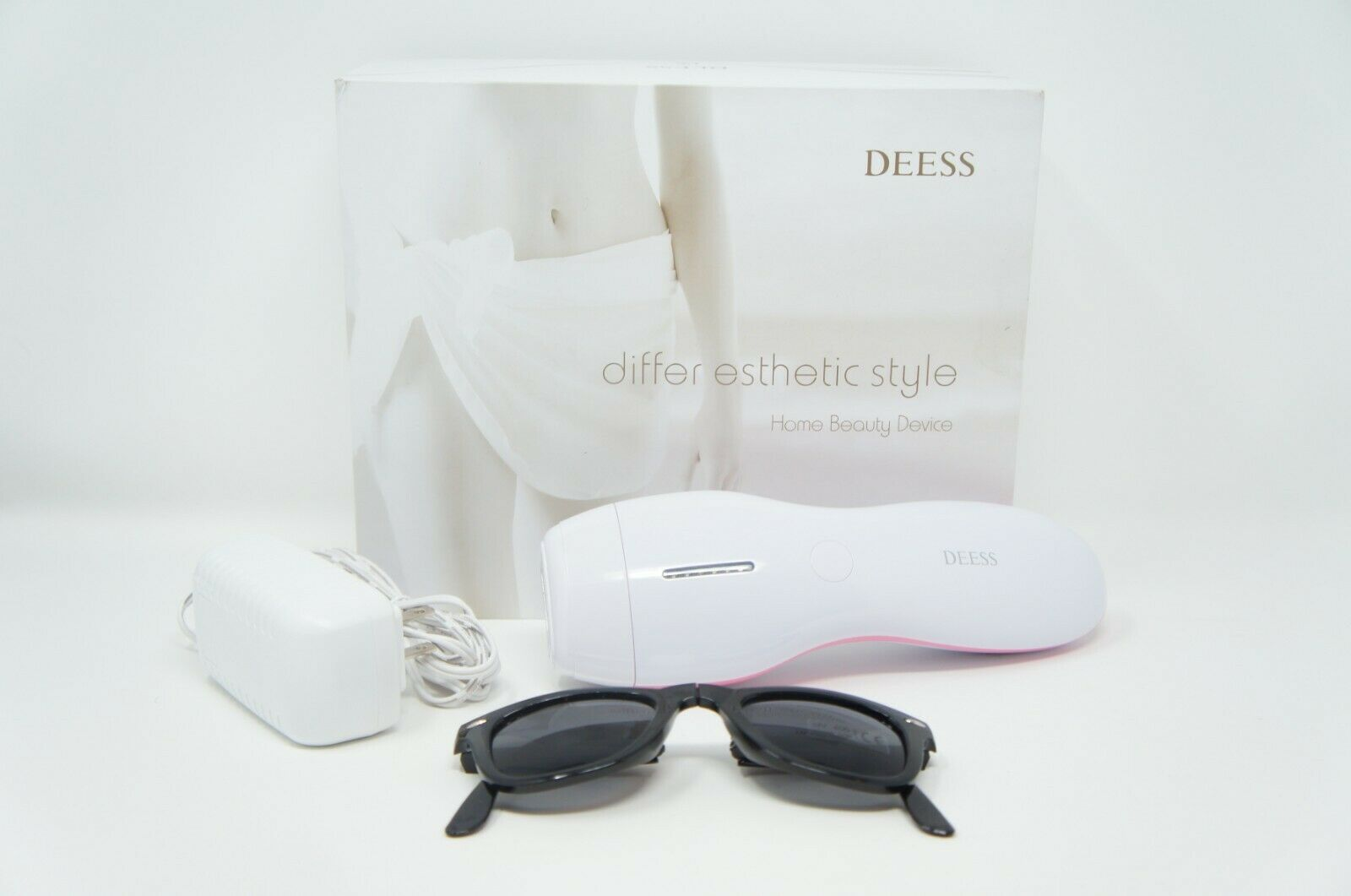 DEESS GP586 IPL Hair Removal Device, Permanent Hair Removal Beauty (Like New)