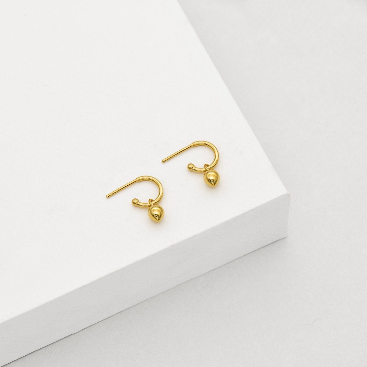 Bud Base Hoop Earrings - Yellow Gold