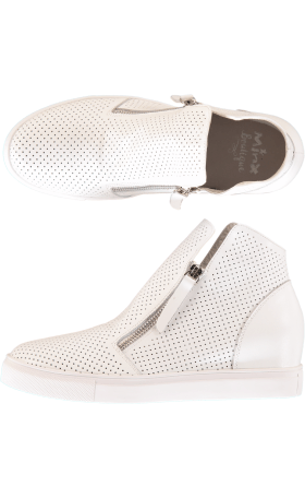 Willott Boots - White Perforated OLDER SOLE