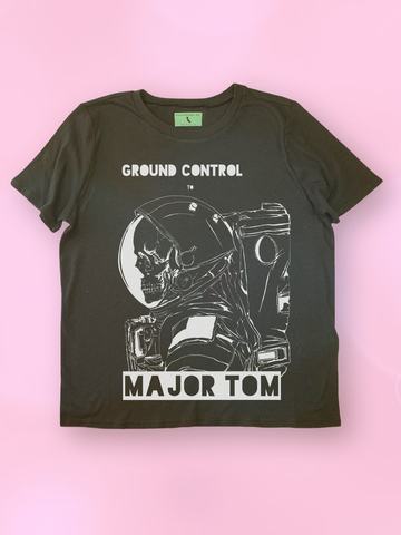 "David Bowie ""Ground Control to Major Tom"" Lyrics T-Shirt - Clarafornia"