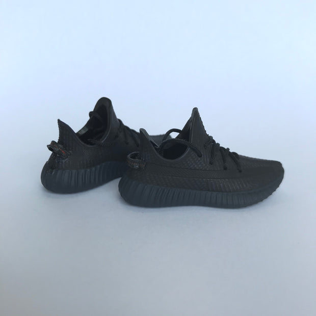 YZY Boost 350 V2 Black 3D Keychain - 3D Kicks Tech