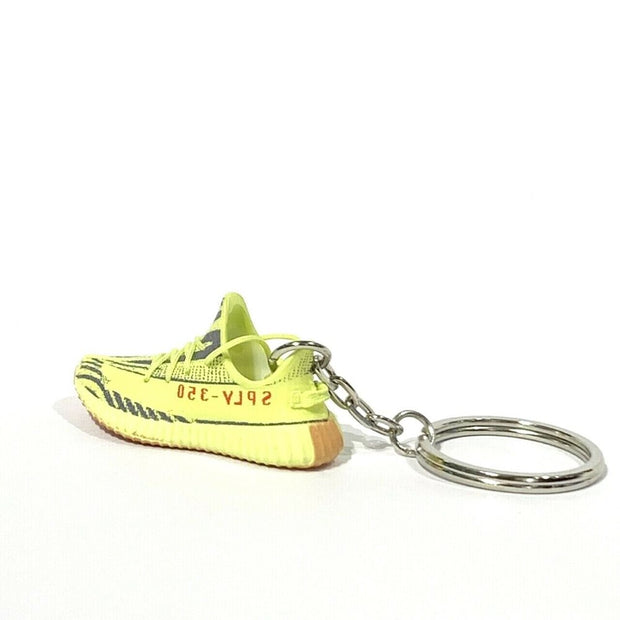 Yeezy Boost 350 V2 Semi Frozen 3D Keychain - 3D Kicks Tech
