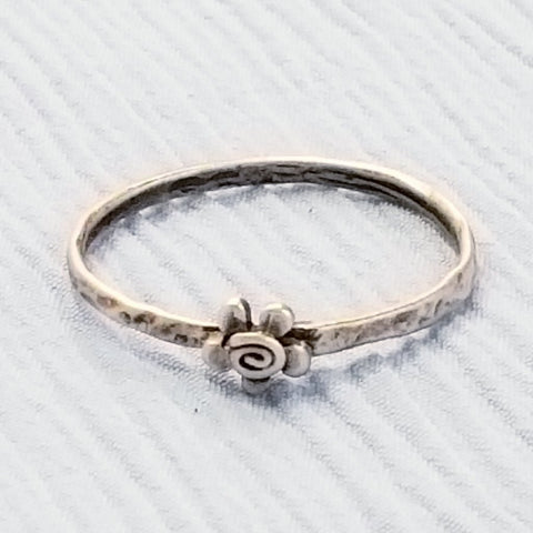 Tiny Flower Ring