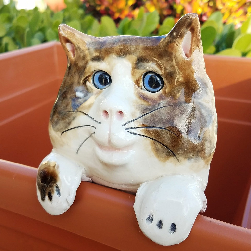 Flower Pot Friend-Brown & White Cat