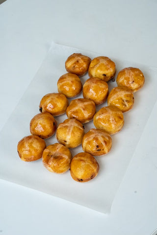 15 mini Hot Cross Bun donuts
