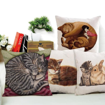 Beautiful Graphic Kitty Cushion Cover