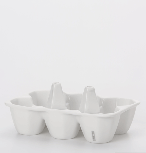 WHITE CERAMIC EGG HOLDER