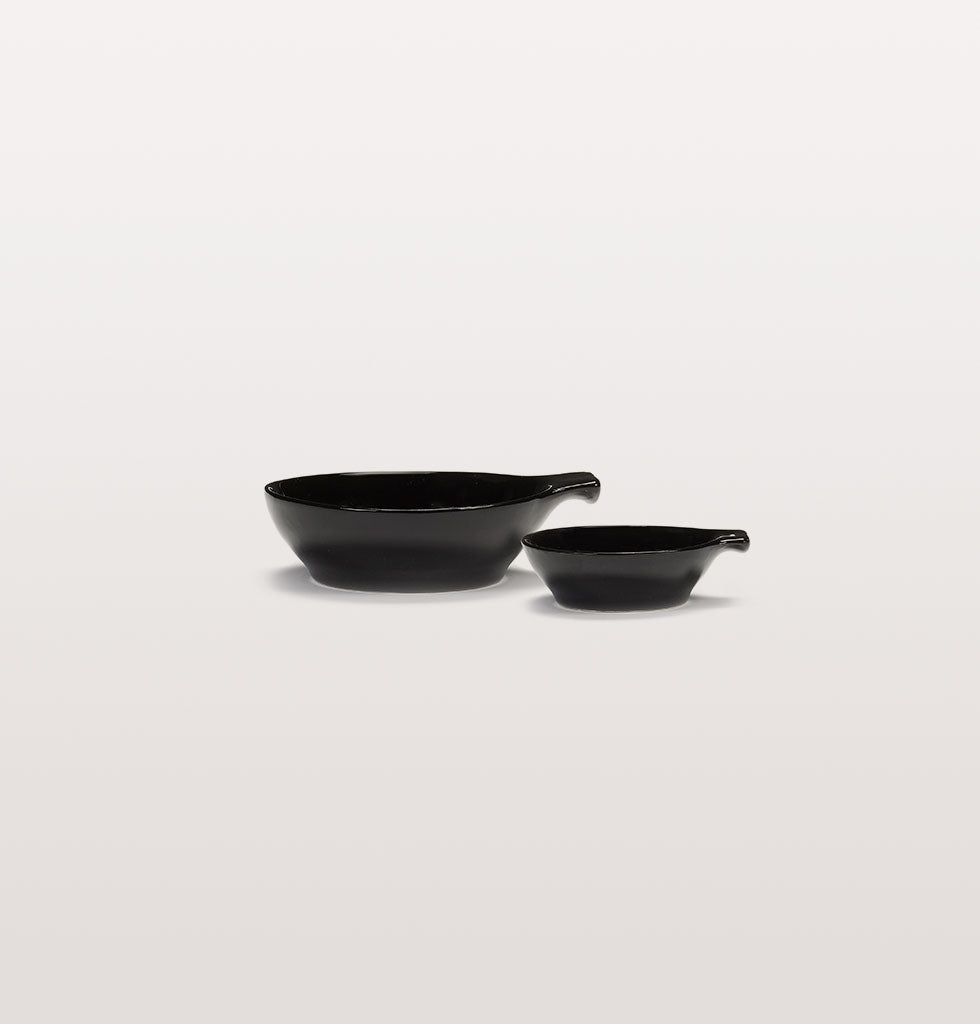 Ottolenghi x Serax. Black small and large tapas plates side view. wagreen.co.uk
