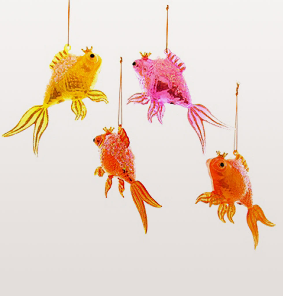 There's a commotion in the ocean, everyone's talking about your crazy neon tree! Transport yourself to a warmer place this Christmas. These oversized bright neon tropical fish are serious about having fun with you.  These fish are stunning and we love the little crowns on their heads, how grand!
