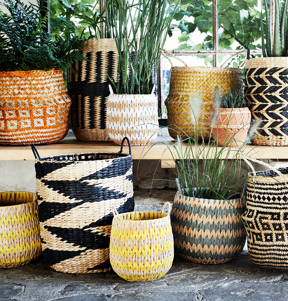 GRASS WICKER BASKETS WITH HANDLES